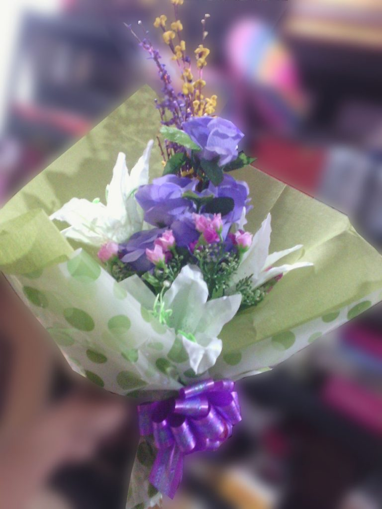 hand bouquet artificial buatan tangan ungu zaenflorist code zn 06