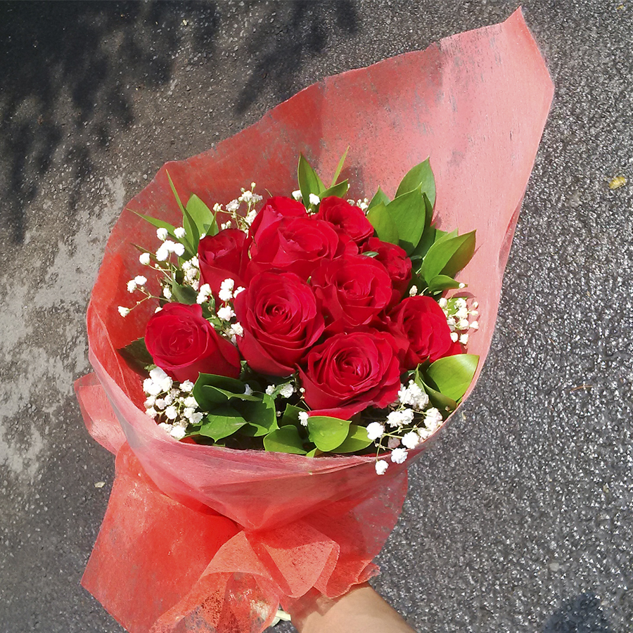 hand bouquet mawar merah simple zaenfloris code zn 04