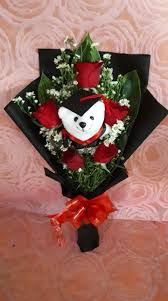 hand bouquet wisuda zaenflorist code Zn 29. jpg