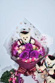 hand bouquet wisuda zaenflorist code Zn 30. jpg