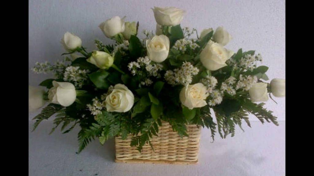 karangan bunga meja cantik Zaenflorist Code Zn 15