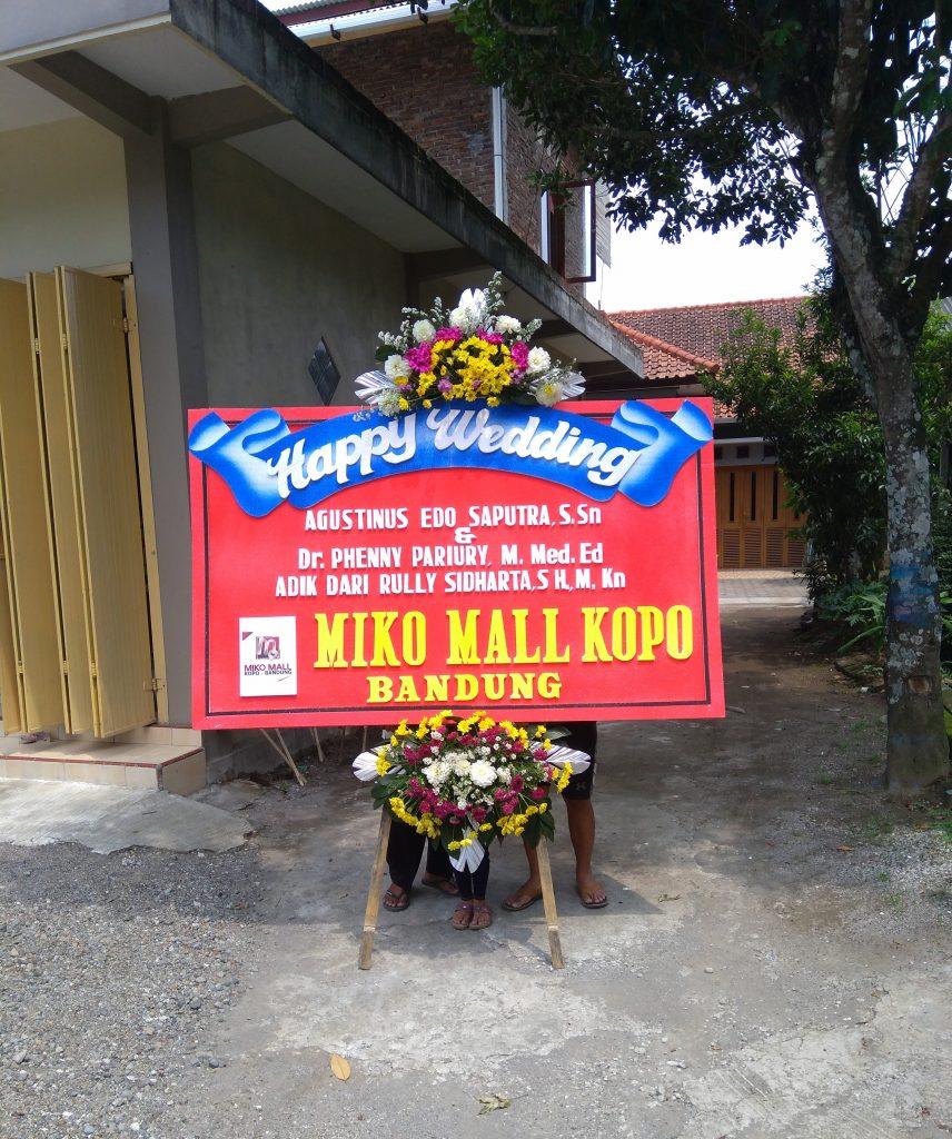 papan karangan bunga happy wedding zaenflorist code zn 20