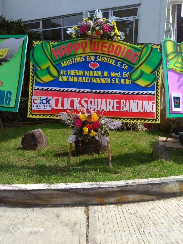 papan karangan bunga happy wedding zaenflorist code zn 26