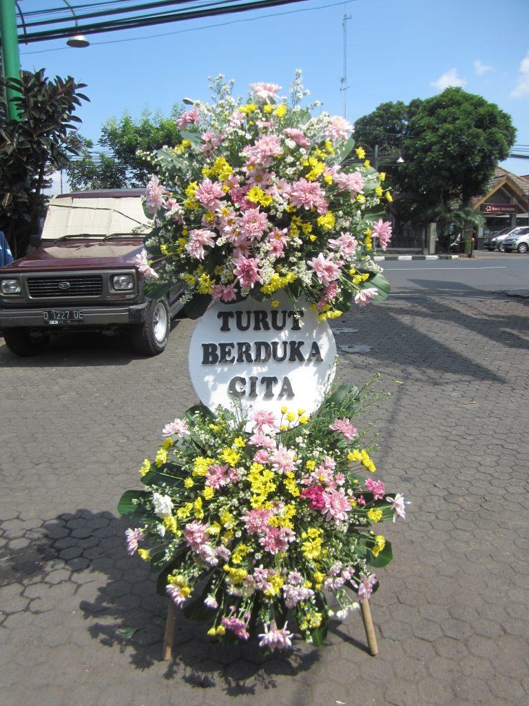 standing flower duka cita bunga warna warni zaenflorist code zn 03