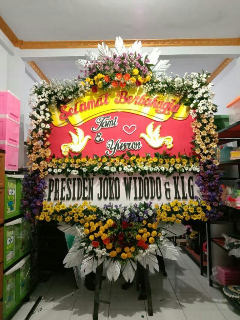 papan-karangan-bunga-ucapan-selamat-pernikahan-zaenflorist-code-zn-113